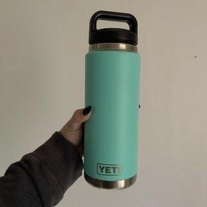 YETI WATER BOTTLE / CANTENE